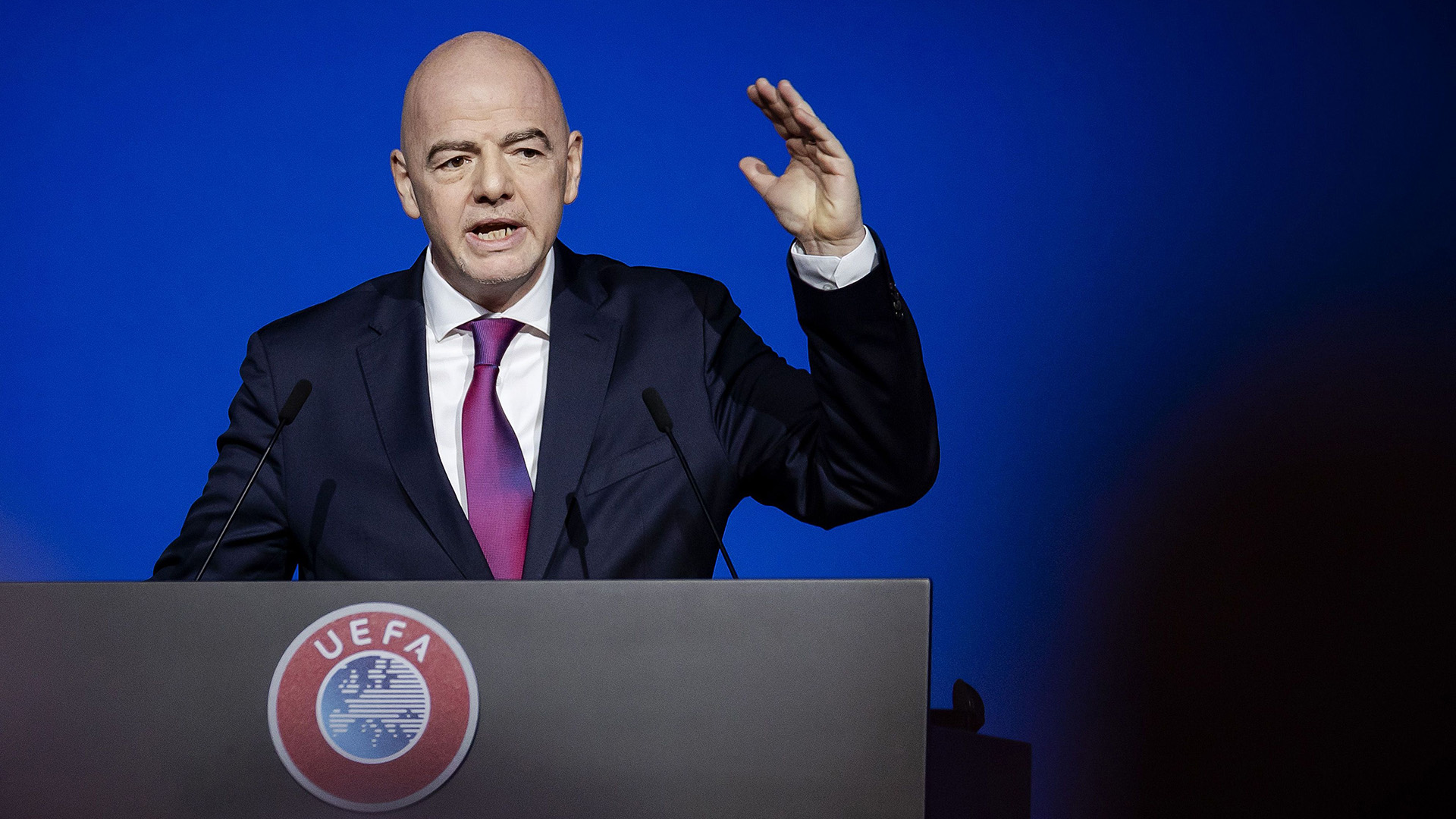 """""""You can't get in or out"""": FIFA president warns Super League clubs of """"consequences"""""""