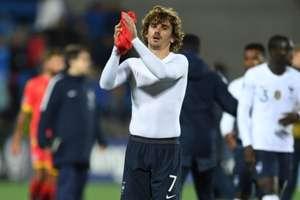 Griezmann gesticula após jogo da França