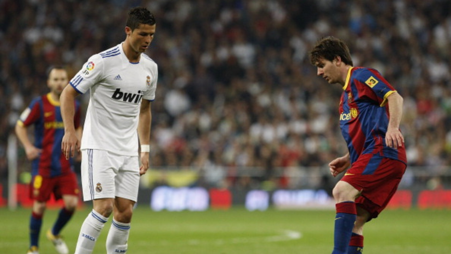 Lionel Messi vs Cristiano Ronaldo - Who has better stats in El Clasicos?