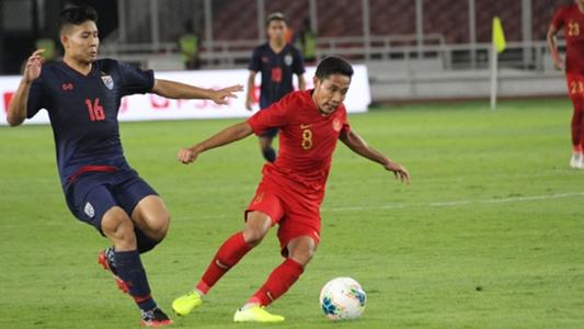 Evan Dimas không gặp chấn thương nghiêm trọng sau va chạm với Văn Hậu | Goal.com