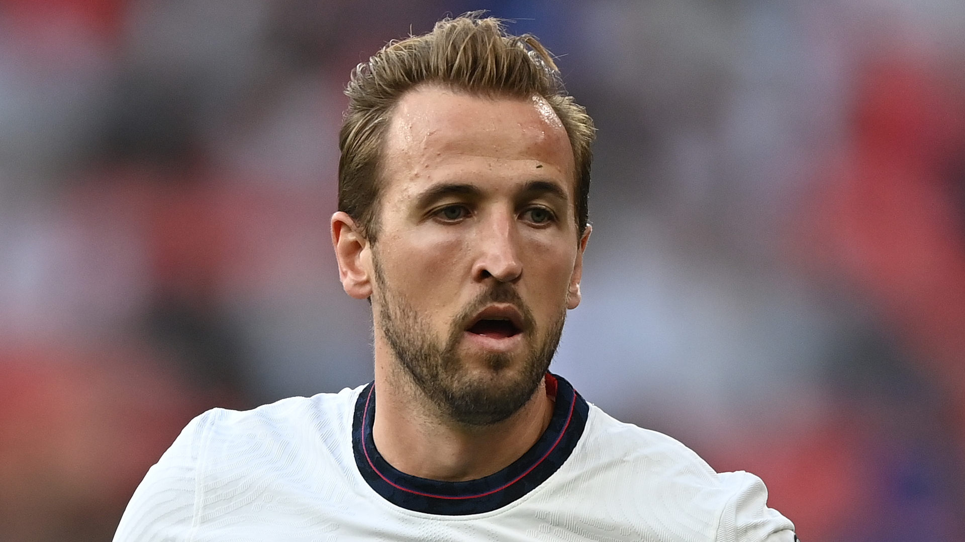 Video: Southgate defends Kane substitution in Hungary draw