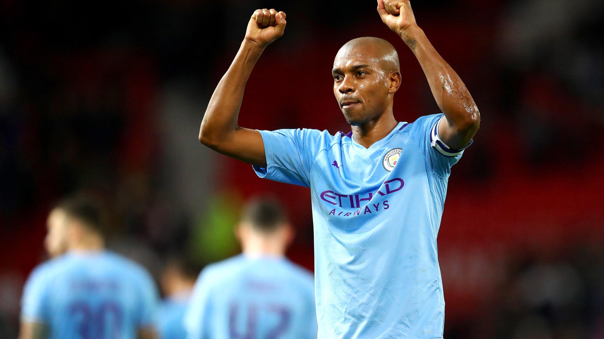 OFFICIEL - Fernandinho prolonge à Manchester City (2021)