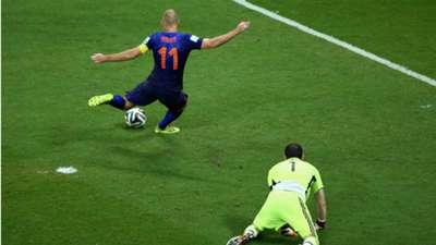 Arjen Robben, Iker Casillas, Netherlands v Spain, World Cup 2014