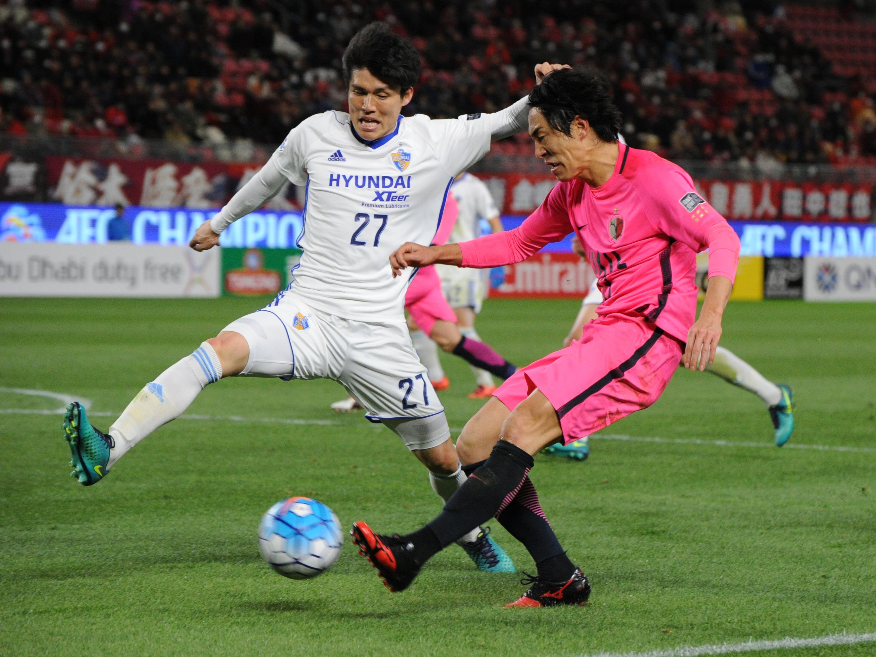Mu Kanazaki of Kashima Antlers in action during the AFC Champions League Group E match between Kashima Antlers and Ulsan Hyndai at Kashima Soccer Stadium on February 21, 2017 in Kashima, Ibaraki, Japan