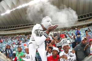 Pirates fans vs Wits