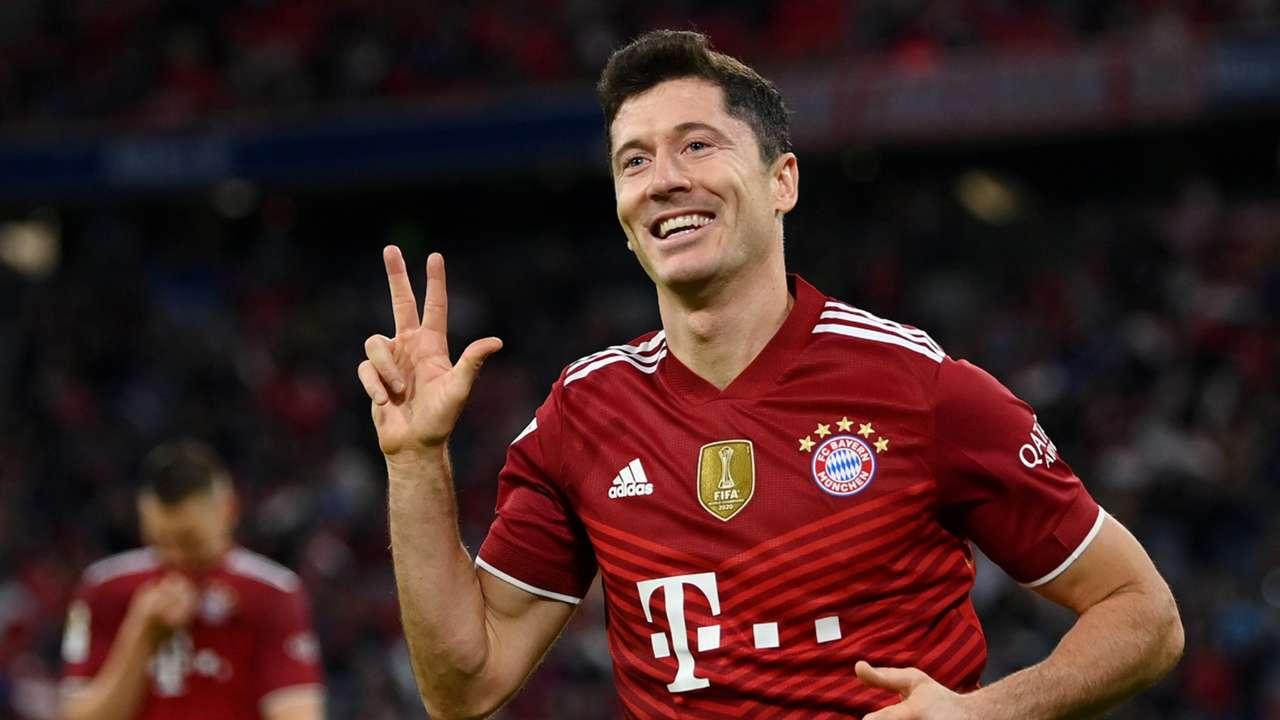 Robert Lewandowski Bayern Munich vs Hertha Berlin Bundesliga 2021-22
