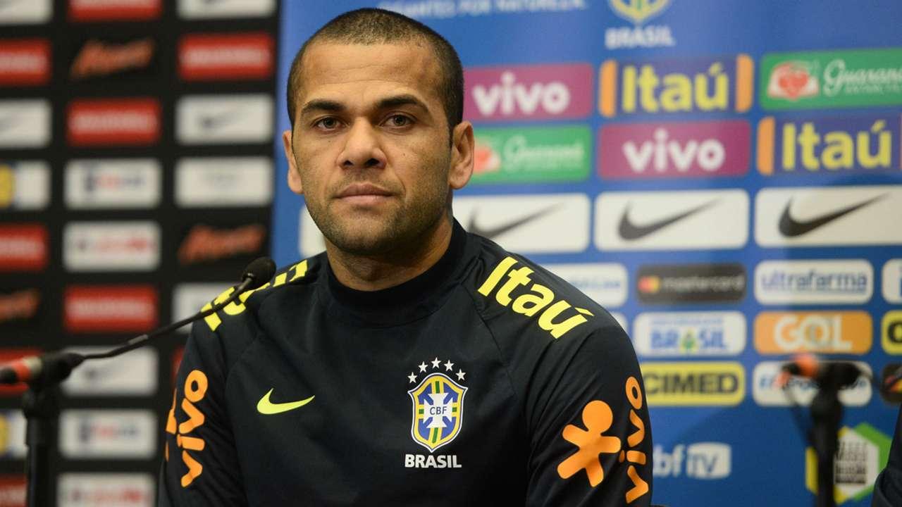Dani Alves entrevista Seleção Brasil 13 11 2017