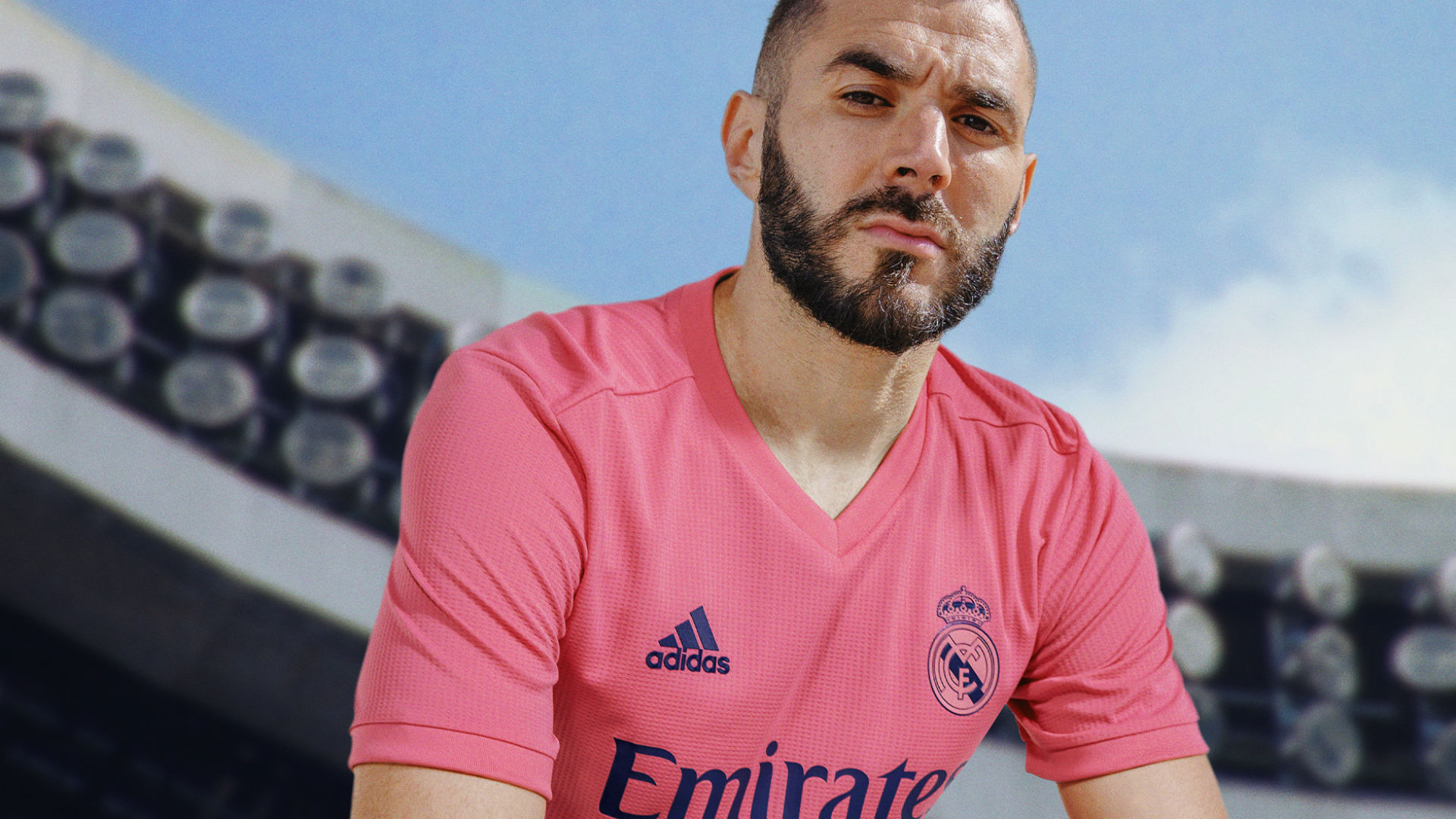 Ir al circuito Lugar de nacimiento fusión  Real Madrid's 2020-21 kit: New home and away jersey styles and release  dates | Goal.com