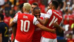 Arsenal celebrating 2019