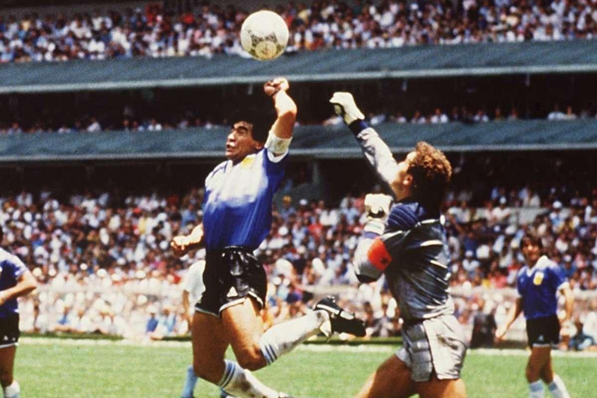 مارادونا: إن عاد الزمن لن أسجل هدفي الشهير في إنجلترا بيدي اليسرى   Goal.com