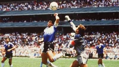 Diego Maradona Peter Shilton Argentina England 1986 World Cup