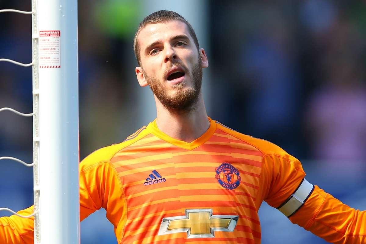 Jamie Carragher Sarankan Manchester United Jual Dua Pemain