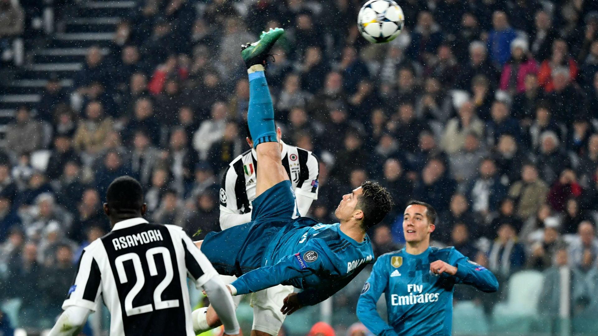 Watch Cristiano Ronaldo S Incredible Bicycle Kick Goal In Champions League Against Juventus Goal Com