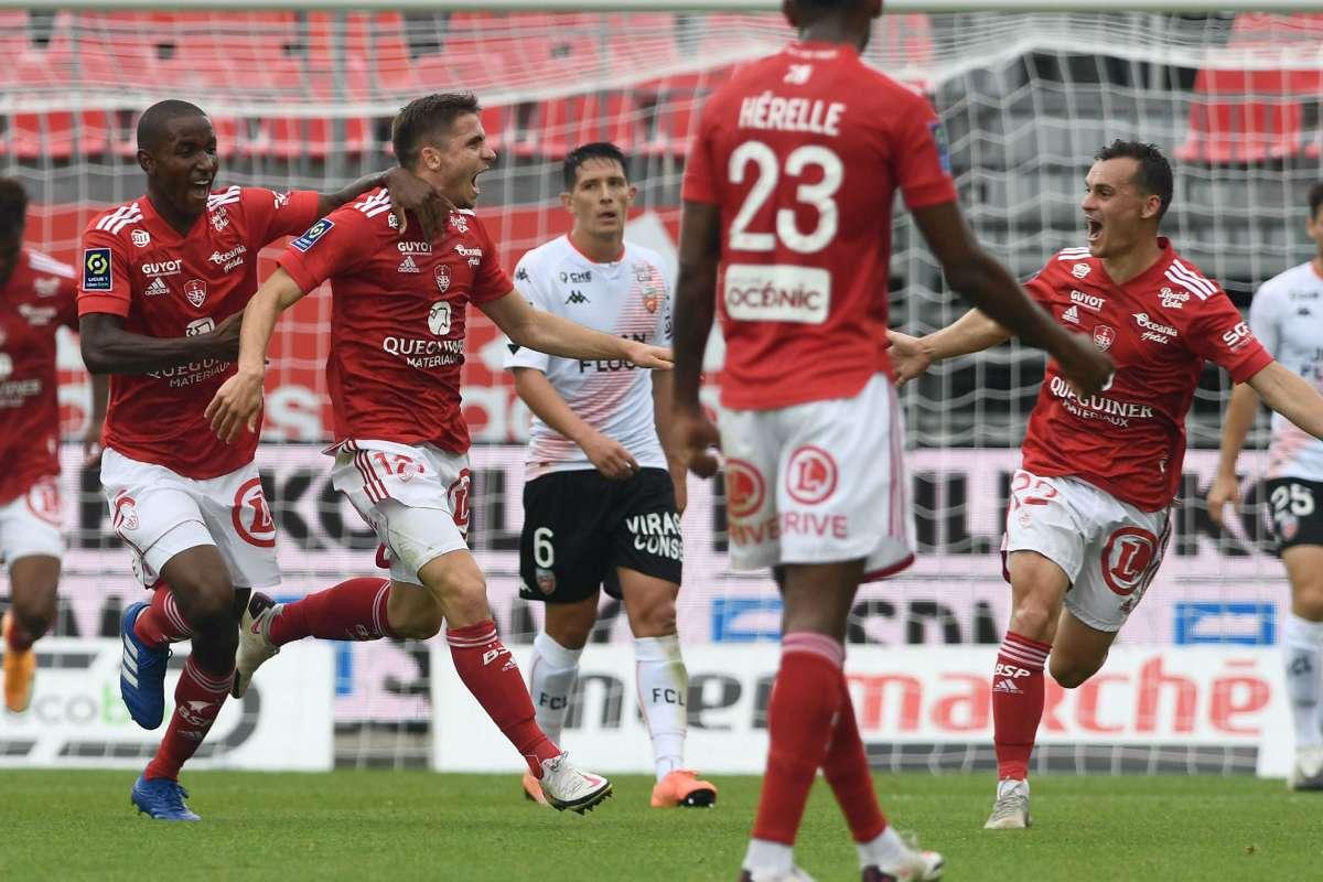 Terem Moffi Lorient Sign Nigerian And Kortrijk Forward Goal Com