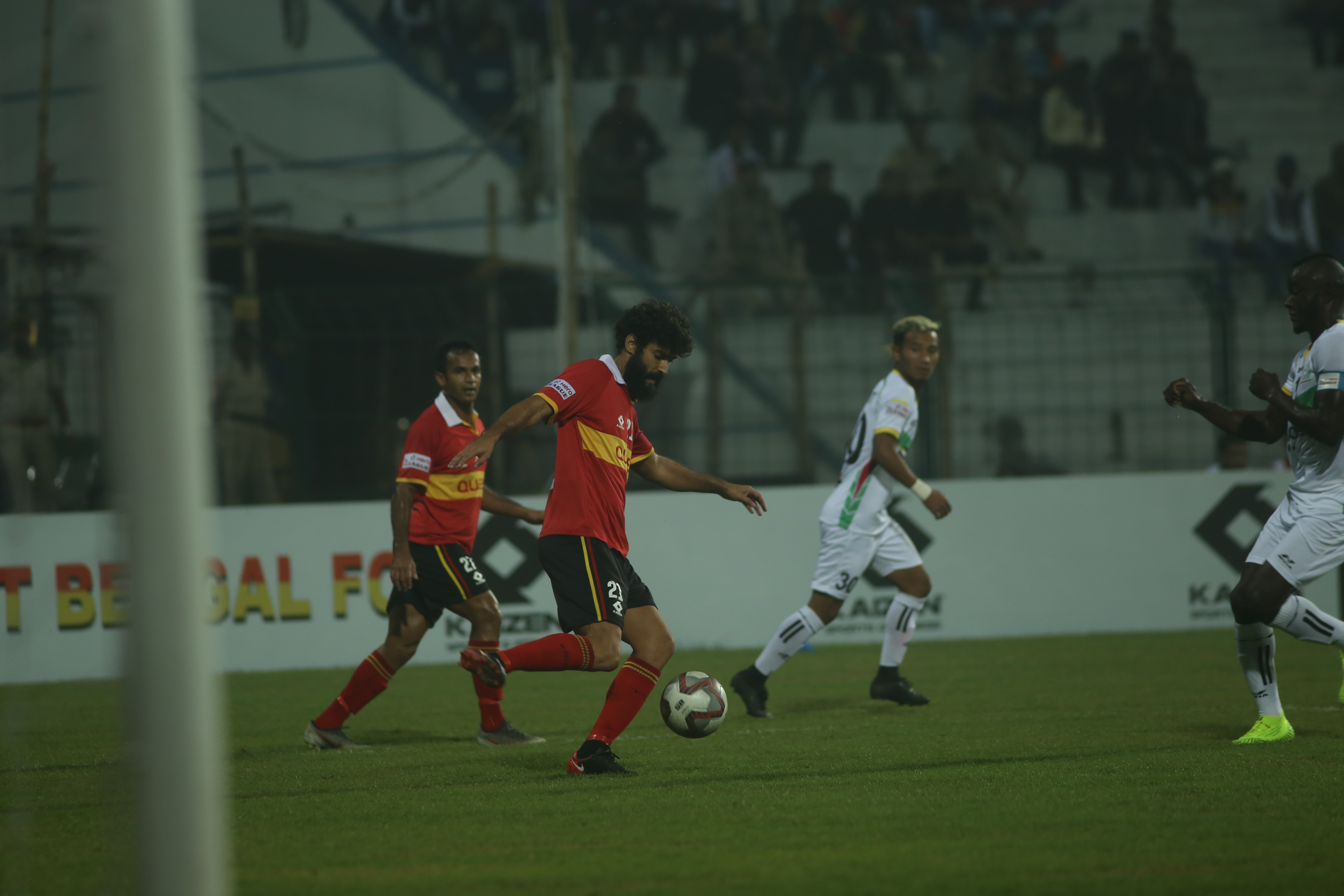 East Bengal's Alejandro Menendez - Past records cannot predict the outcome of a derby