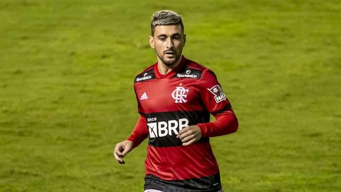 Flamengo terá que vender ou comprar restante de Arrascaeta em meio a proposta de R 251 milhões