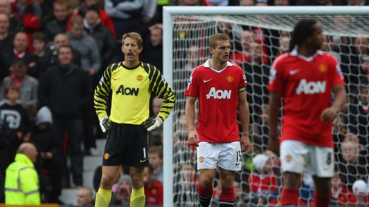 Strong characters have all disappeared from Man Utd - Van der Sar