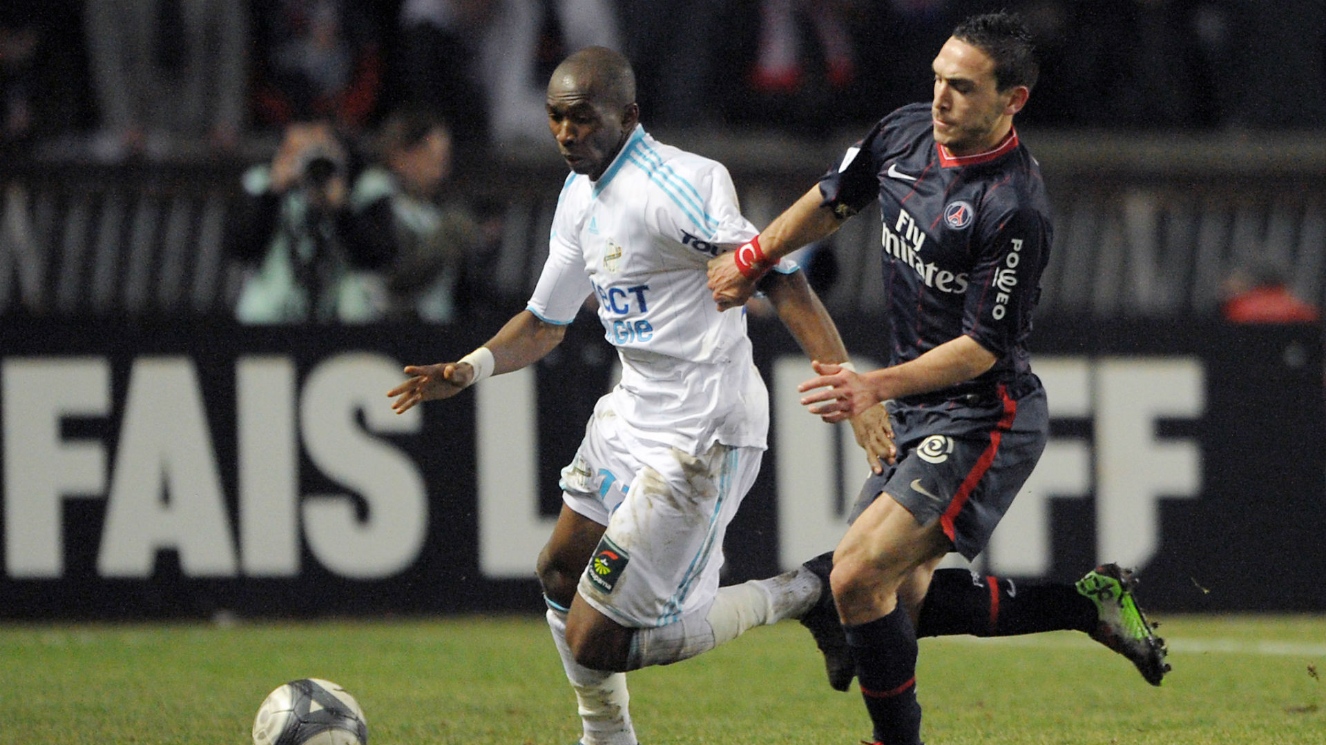 Five red cards as Marseille beat PSG in bad-tempered game