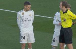 Modric VAR Melero López Huesca Real Madrid