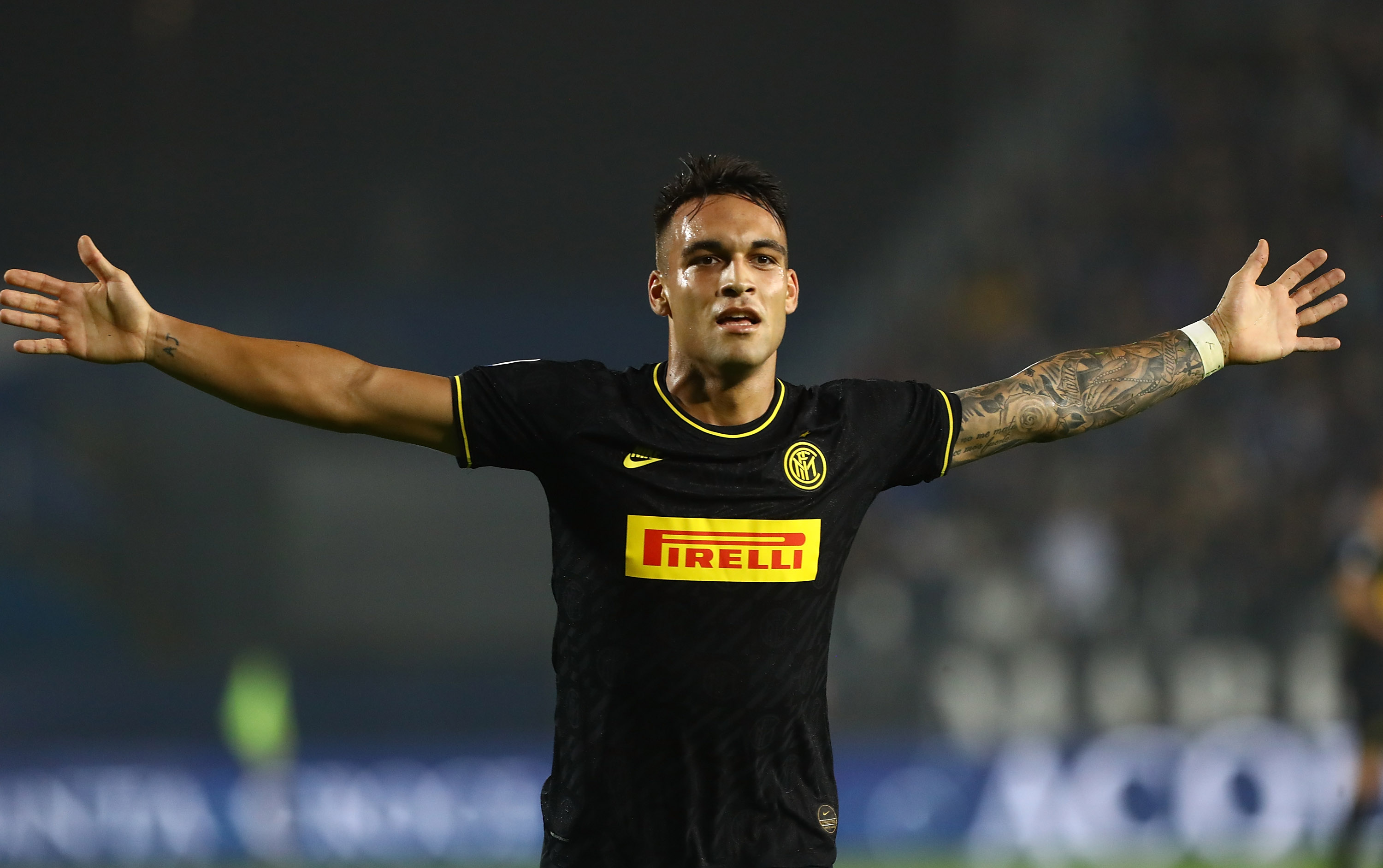 'He'll have to sacrifice and earn his place' - Scaloni weighs in on Lautaro's links to Barca