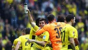 Christian Pulisic Roman Burki Borussia Dortmund Bundesliga 052017