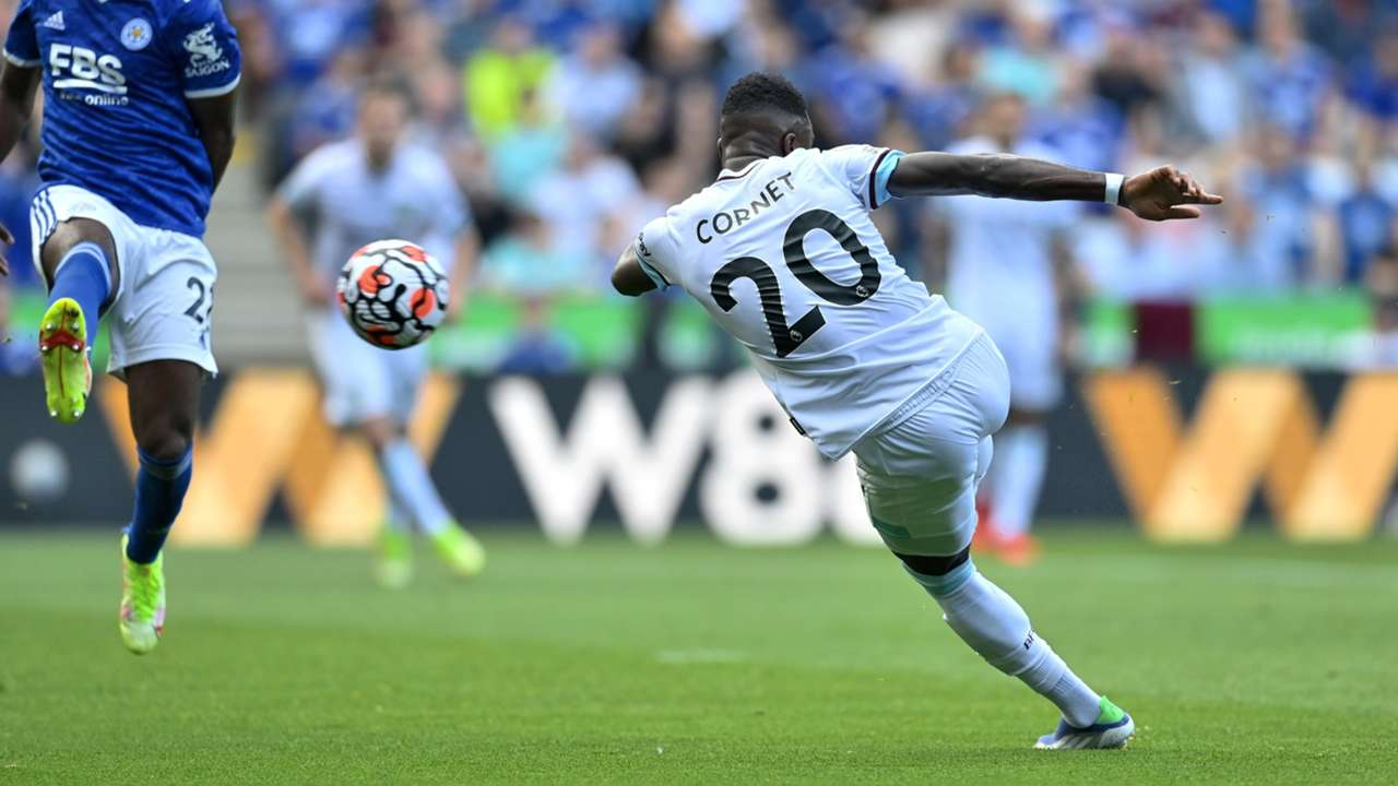 Maxwel Cornet Burnley Leicester 2021-22