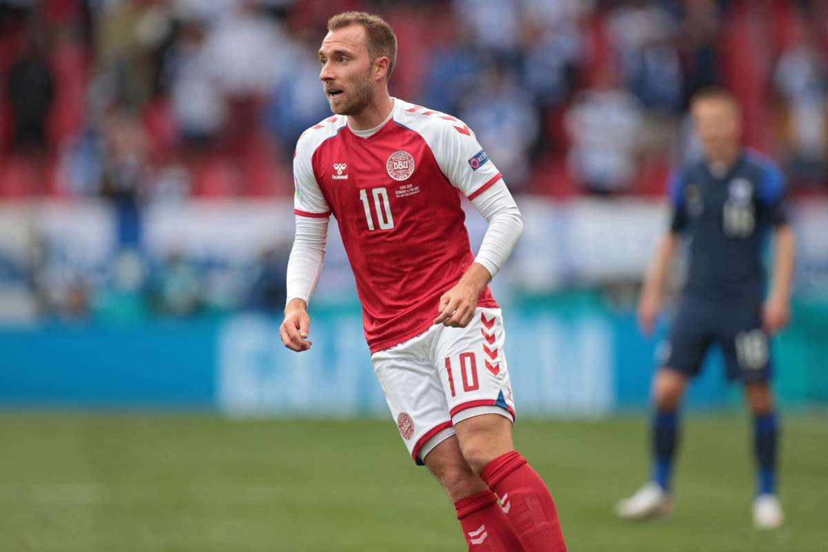 Football world offers support to Eriksen after collapse during Denmark  match against Finland | Goal.com