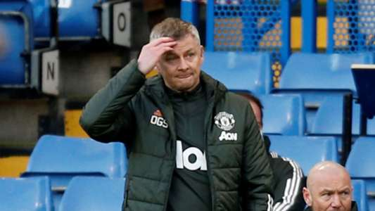 Solskjaer points finger at Chelsea official website after seeing VAR deny Man Utd penalty