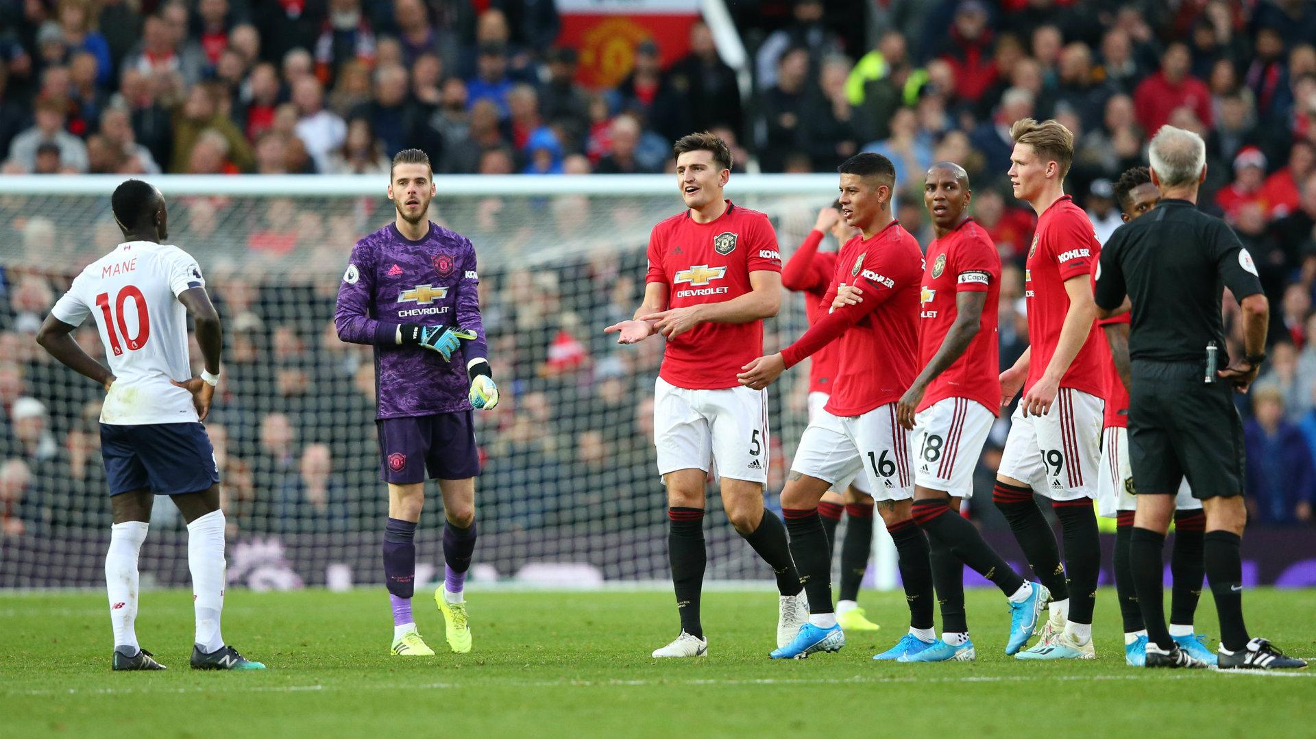 Sao 'bom tấn' của MU bị chê thậm tệ sau trận đấu với Liverpool