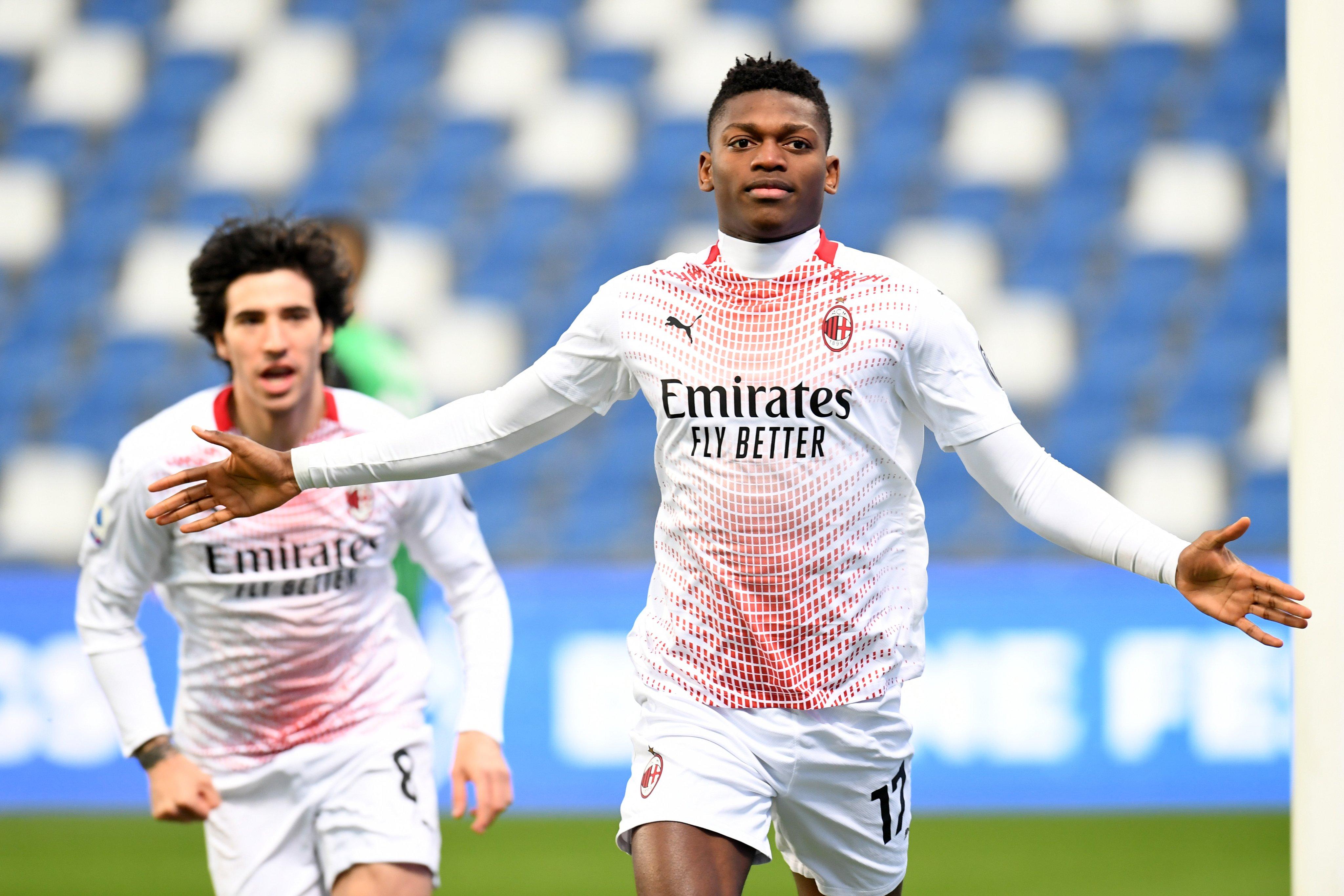 AC Milan et Inter victorieux, Leão dans l'histoire