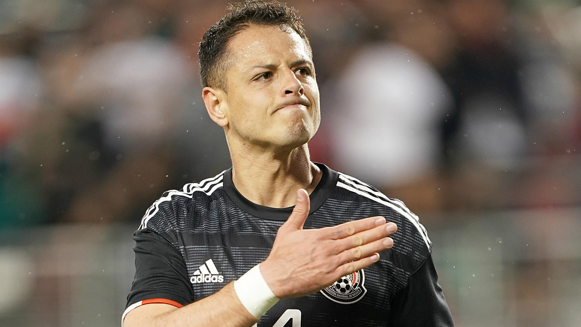 Javier Hernandez joins LA Galaxy from Sevilla