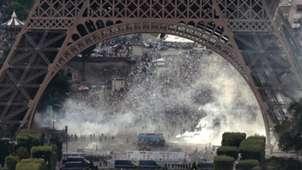 Eiffel Tower Fan zone