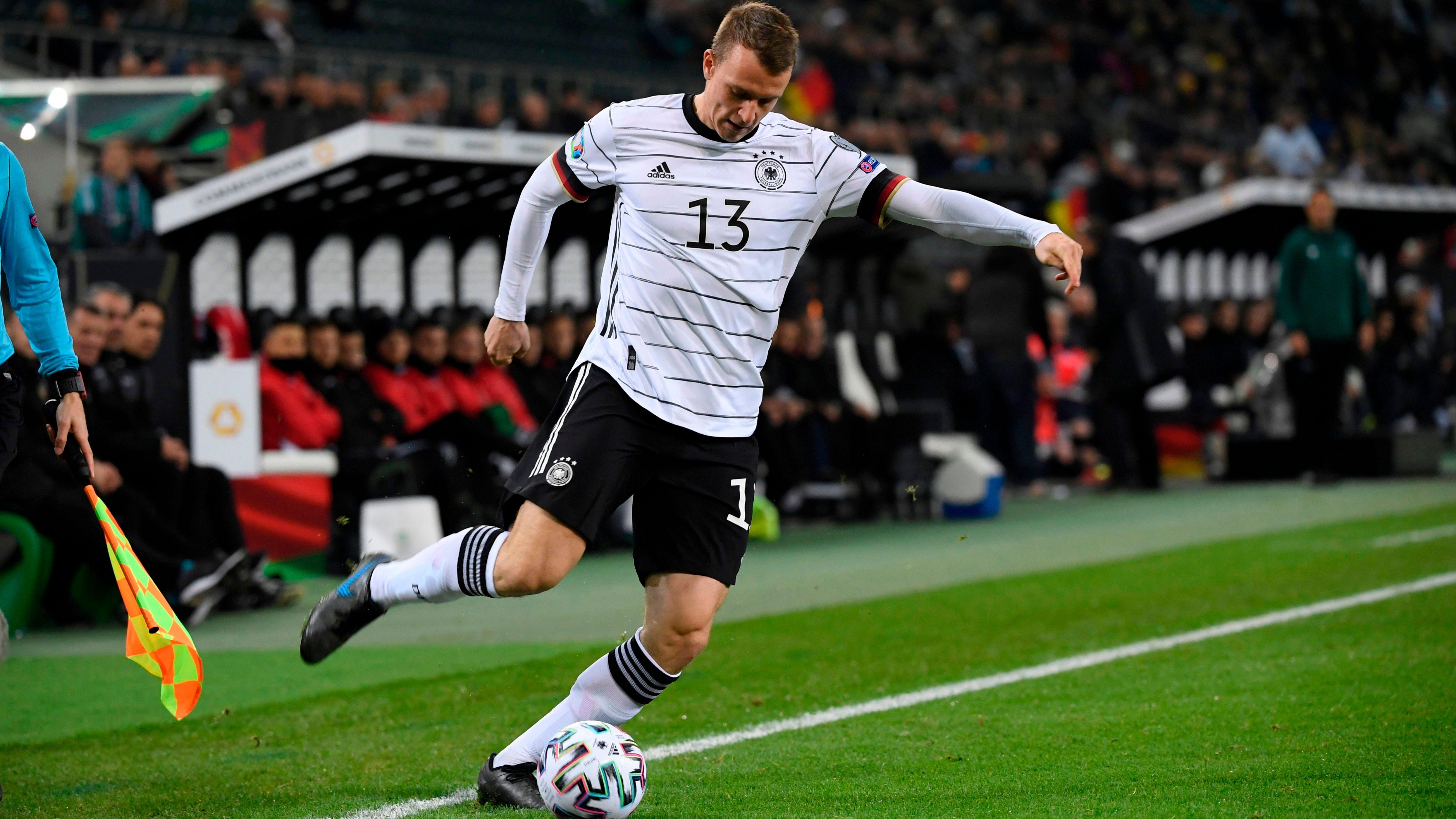 OFFICIEL - Cible de Dortmund et du Bayern Munich, Lukas Klostermann prolonge à Leipzig