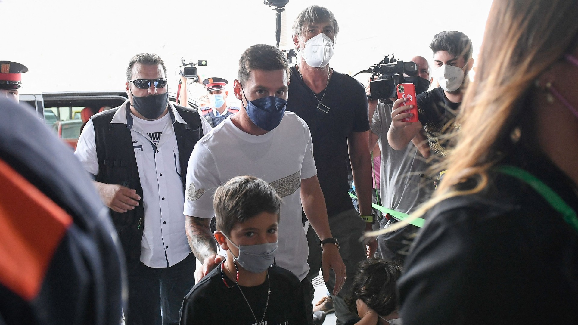 Messi agrees two-year contract with PSG and is travelling to Paris to undergo medical following Barcelona exit