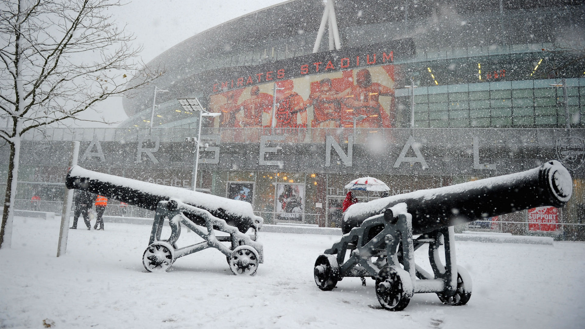 Arsenal Etihad Stadium snow