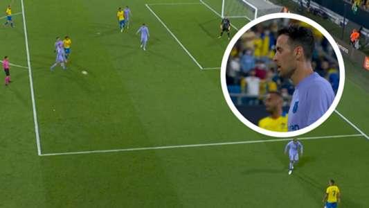 VIDEO: Gewieft oder unsportlich? Umstrittene Busquets-Aktion rettet Barca | Goal.com