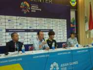Kim Hak Bum -  Pelatih Korea Selatan