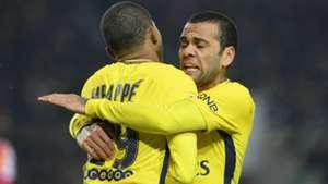 Dani Alves Kylian Mbappe Strasbourg PSG Ligue 1 02122017