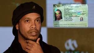 Ronaldinho Passport split