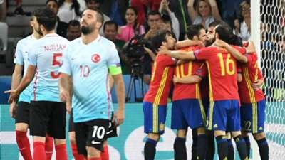 Arda Turan Spain Turkey Euro 2016