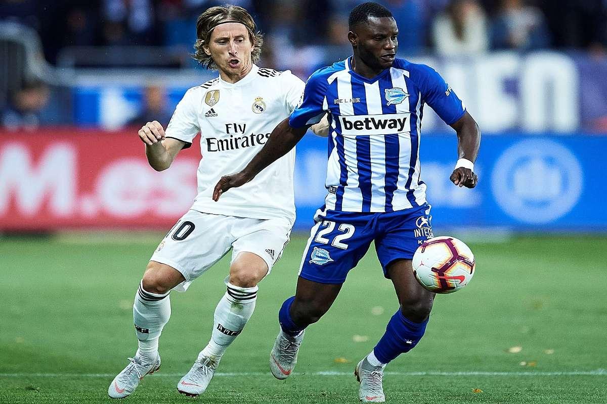 La Liga transfer news: Mubarak Wakaso's Alaves future uncertain | Goal.com