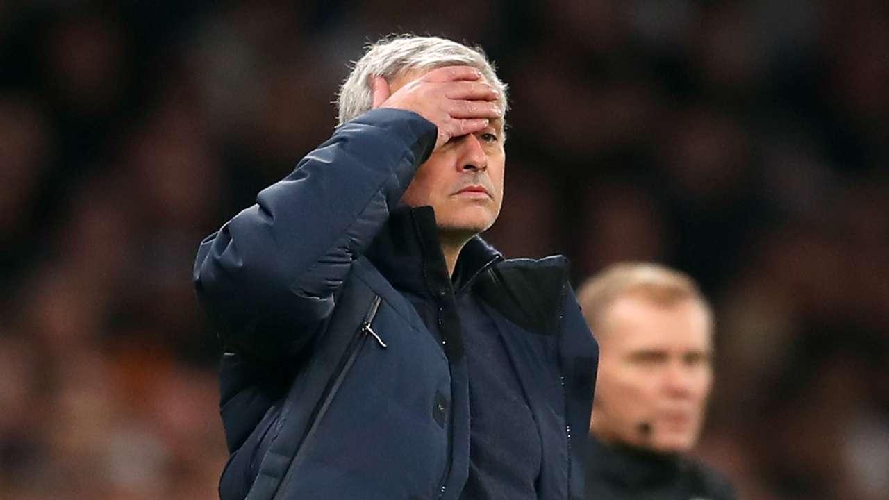 Jose Mourinho facepalm