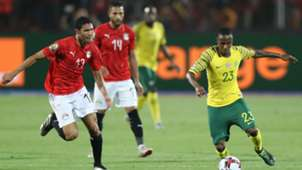 Thembinkosi Lorch of South Africa challenged by Walid Soliman of Egypt, July 2019