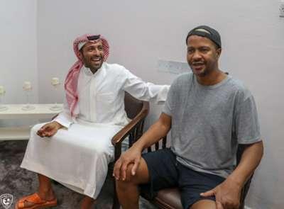 محمد بن فيصل يزور خميس العويران