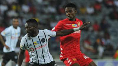 Augustine Mulenga of Orlando Pirates challenged by Sphiwe Mahlangu of Highlands Park, August 2019