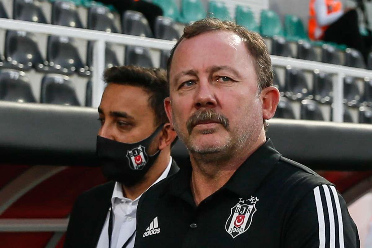 Beşiktaş Sergen Yalçın Ile Sözleşme Imzaladı