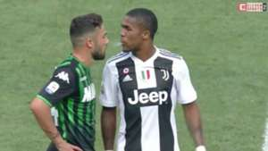 Douglas Costa Juventus spitting 2018-19