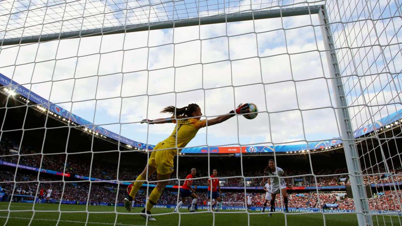 Christiane Endler USWNT vs Chile Women's World Cup 2019