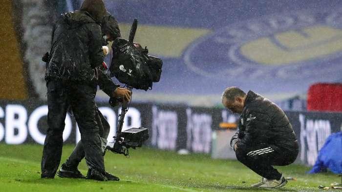 TV Camera, Marcelo Bielsa, Leeds United