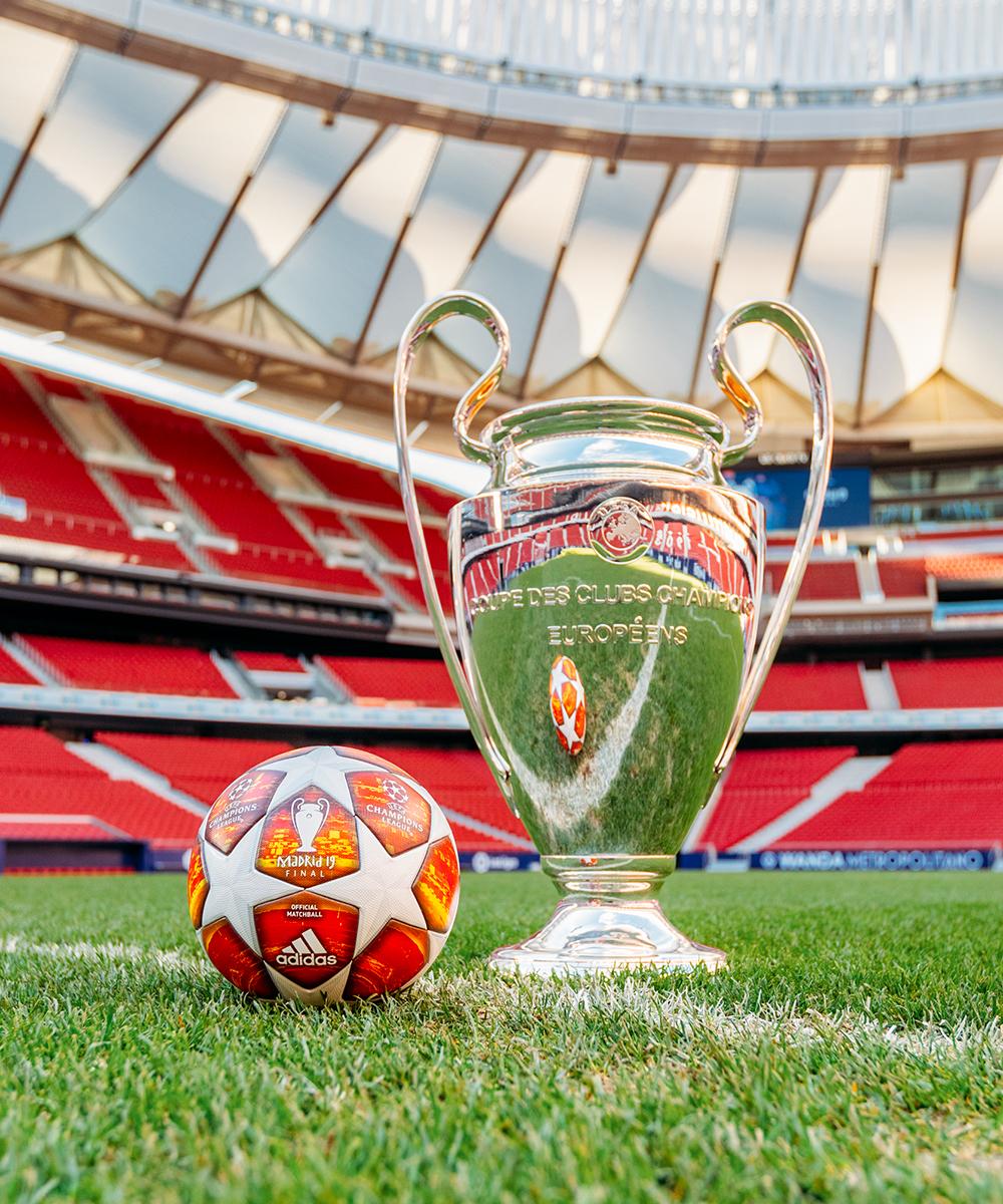 Welche Champions-League-Spiele zeigt DAZN im LIVE-STREAM ...